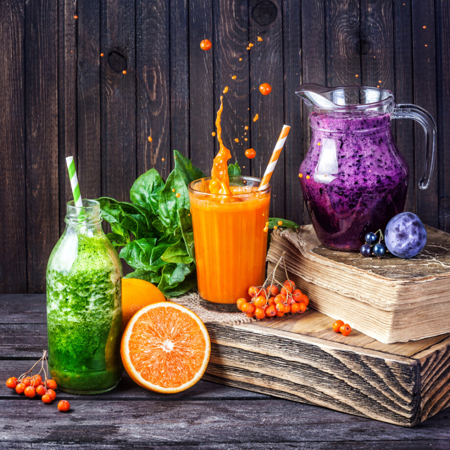 Fresh,Juice,And,Smoothies,With,Berries,,Fruits,And,Green,Spinach
